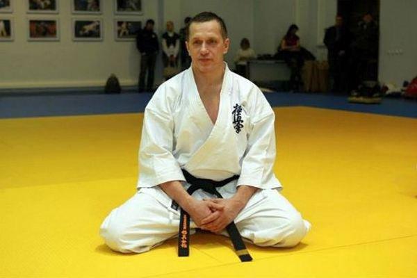 Юрий Трутнев серьезно занимается каратэ Кёкусинкай
